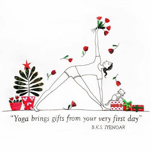 Yoga brings gifts from your very first day! . . . . . . #bksiyengar #iyengaryoga #baysideyoga #meditation #quoteoftheday #quotes #yoga #gifts #christmastree #christmas #trikonasana #asana #yogainspiration #yogateacher #colour #art #picame #paper #ink #scrapbooking #designer #design