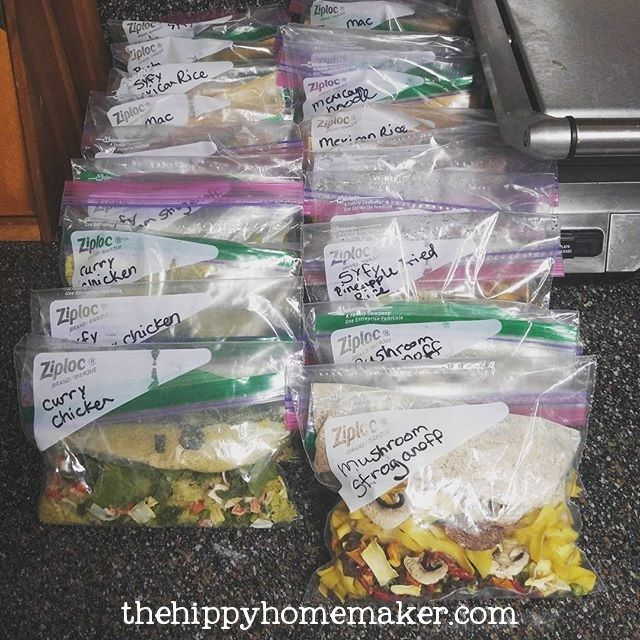 7 DIY Dehydrated Meals For The Trail Or On-The-Go (with vegan/vegetarian alternatives) - thehippyhomemaker.com