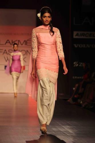 The best of Lakme Fashion Week - Summer/Resort 2013 (© Varinder Chawla)