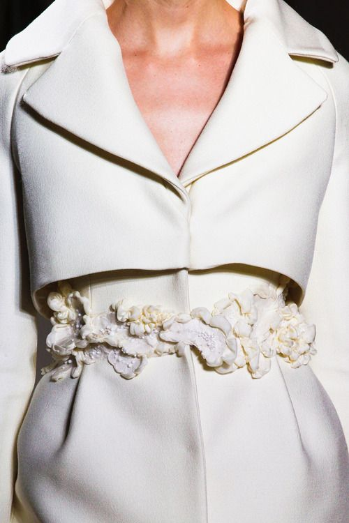prada-milahno:  more here  Haute Couture blog :)
