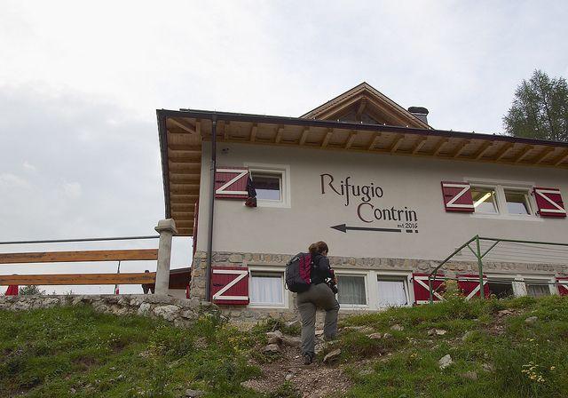 Albe in malga #rifugiocontrin #valdifassa #trentino