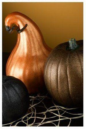 Painting gourds with Krylon's Glitter Blast can create a stunning centerpiece #fall #autumn #Thanksgiving