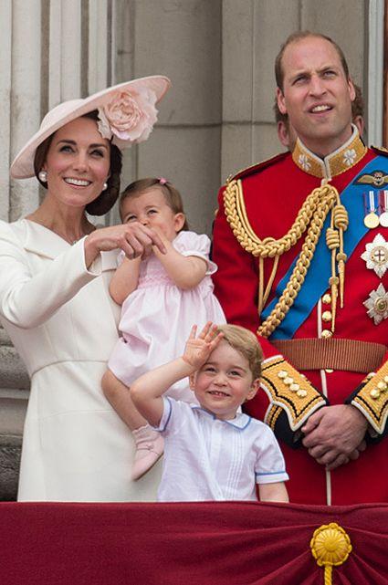 Кейт Миддлтон, принцесса Шарлотта, принц Джордж и принц Уильям