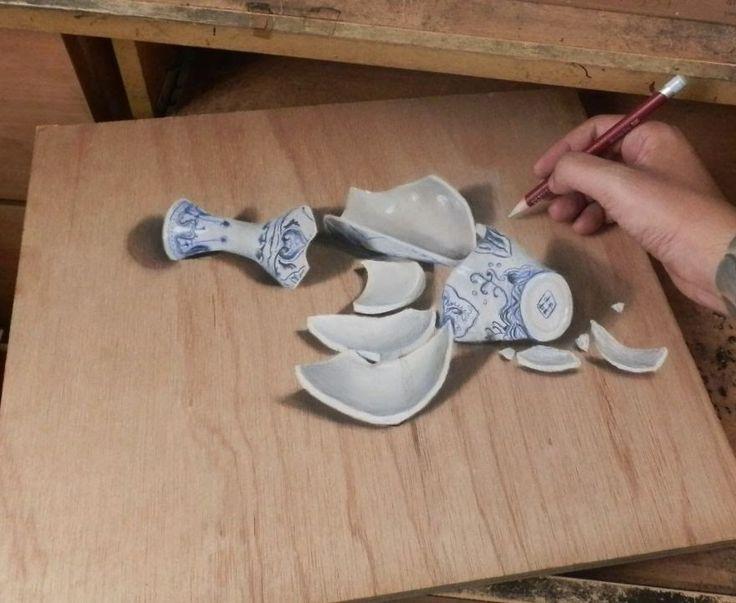 Julian Beever rozpoczął rysowanie prac anamorficznych. Uwielbia rysować realistyczne dzieła sztuki, które drażnią oczy i mózg. Więcej jego prac znajdziecie na http://www.sierobi.pl/2014/05/pastelowe-fotorealistyczne-rysunki.html