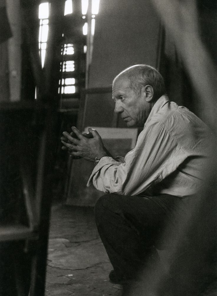 Liquidnightherbert list picasso in his studio rue des grands augustins paris 1948 from the essential herbert list photographs photography black and