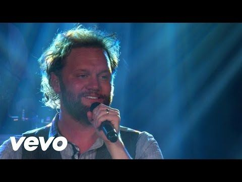 David Phelps - We Shall Behold Him (Live) - YouTube. The Voice!!