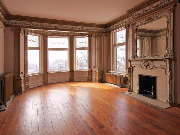 Living Room: Iconic Mansion in Davenport, Iowa