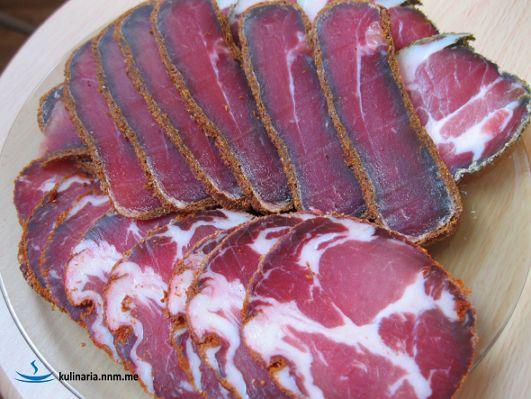 Вяленая свиная шея - настоящий мужской деликатес - Простые рецепты Овкусе.ру