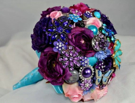 Beautiful!Brooch Bouquets, Bridal Bouquets, Brooches Bouquets, Vintage Pin, Wedding Bouquets, Colors, Silk Flower, Bouquets Wedding, Broach Bouquets