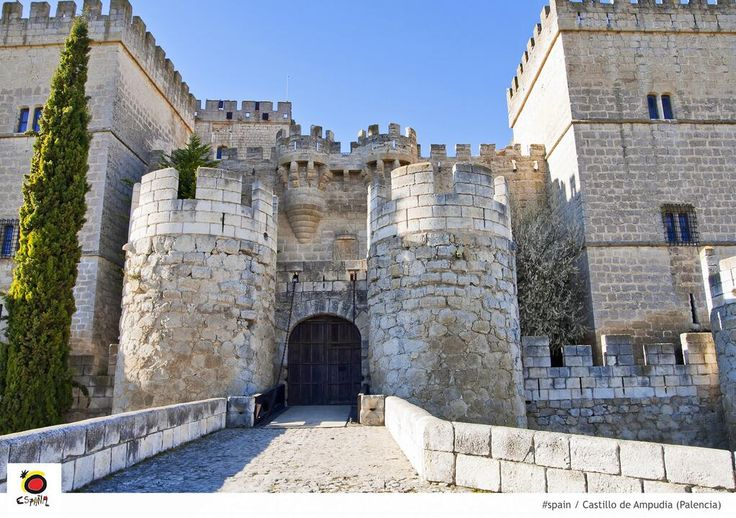The Ampudia Castle in #Palencia was declared a National Monument on the 3rd of July, 1931 #spain @TurismoPalencia pic.twitter.com/uhYV5hAMsF