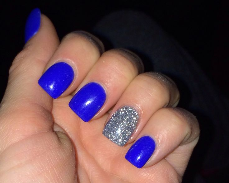 blue nails with silver accent nail