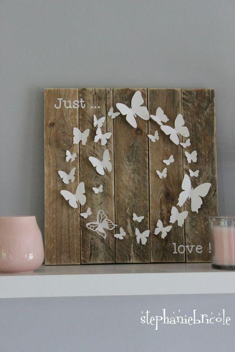 Un cadre « papillon » en palette, papier et vinyle - 100 % plaisir avec la cameo !