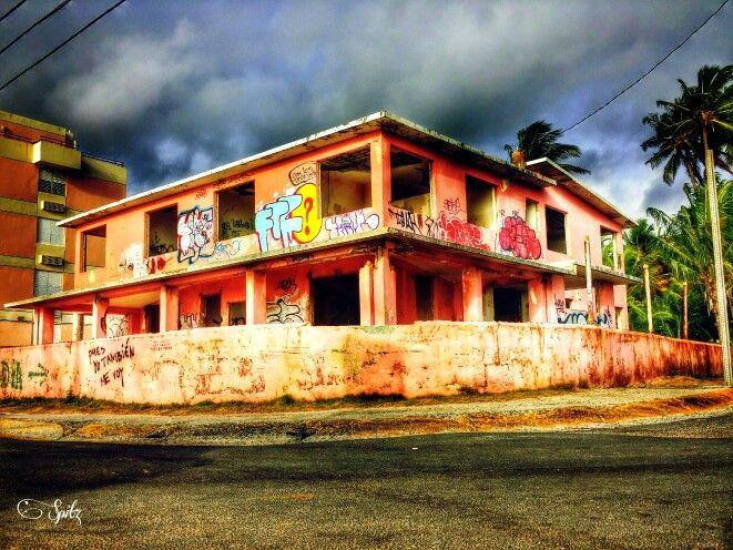 Casa Abandonada Frente A La Playa En Luquillo Puerto Rico