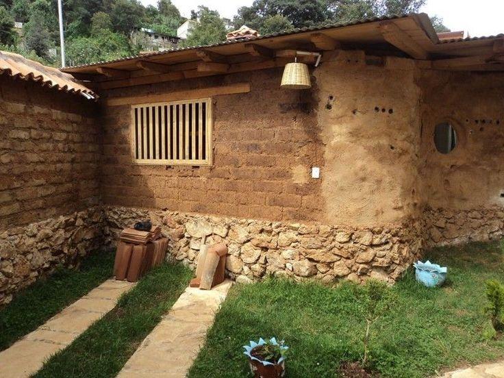 Hermosa construcci n con cimientos de piedra pisos de - Construccion casas de piedra ...