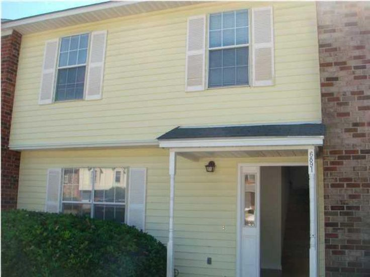 ** Like New Fee Simple Townhouse in Great Quiet Location ** Convenient to AFB and Boeing, etc ** All New Kitchen w/ New Cabinets, Counter tops & Appliances ** New Central Heat & Air ** Freshly Painted and New Flooring Throughout ** New Roof too ** This Home has been updated All the Way Down to the New Kitchen Sink ** Great Condition ** Very Quiet Little Community Across the Street from Large Waterfront Homes ** 2 Parking Spaces ** Laundry Room ** Nice Rear Patio ** Ceiling Fans & ...