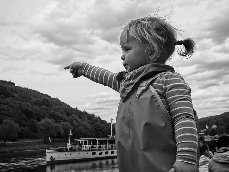 Sächsische Schweiz? Da gehts lang!  . . . #germany #Sachsen #people #portrait #outdoors #child #sky #wear #travel #traveling #visiting #instatravel #instago #nature #water #vehicle #girl #leisure #park #wandaful #sächsischeschweiz #Elbsandsteingebirge #schwarzweiss #saxonswitzerland #Elbe #boat #bw #bnw #blackandwhite #ig_bw . . . #germany #Sachsen #people #portrait #outdoors #child #sky #wear #travel #traveling #visiting #instatravel Credits: @sndstnpx