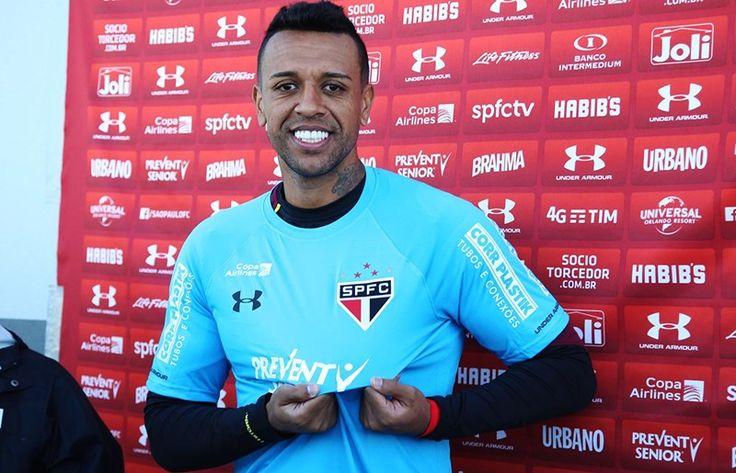 Sidão é apresentado e exalta disputa por posição Nesta segunda-feira (9), nos Estados Unidos, goleiro recebeu a camisa 12 do Tricolor (via Site Oficial saopaulofc.net)