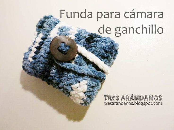 funda camara de ganchillo! tresarandanos.blogspot.com