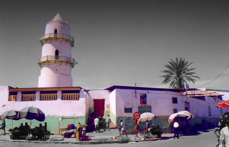 https://flic.kr/p/7kKAvL | Central mosque (Djibouti, Djibouti) | islam in Djibouti represent the 96% of the population  it is the main religion in Djibouti