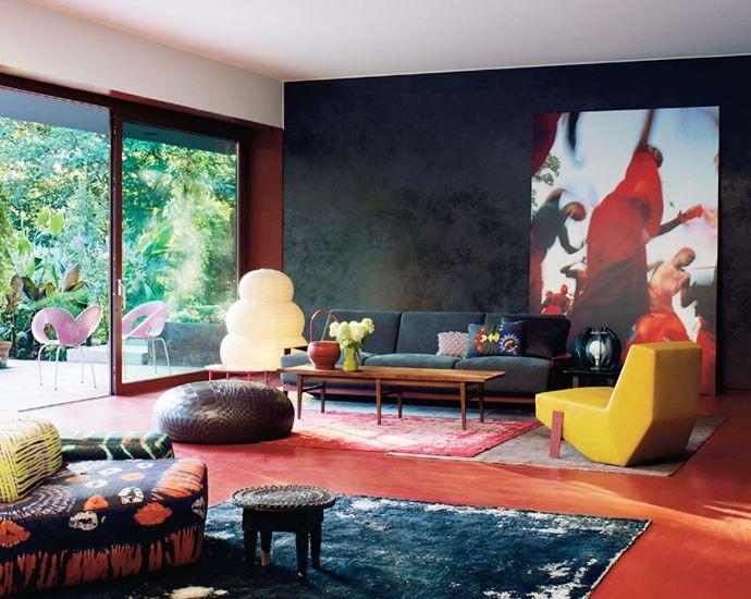 Hippie meets mid-century modern. Primary Modernism.
