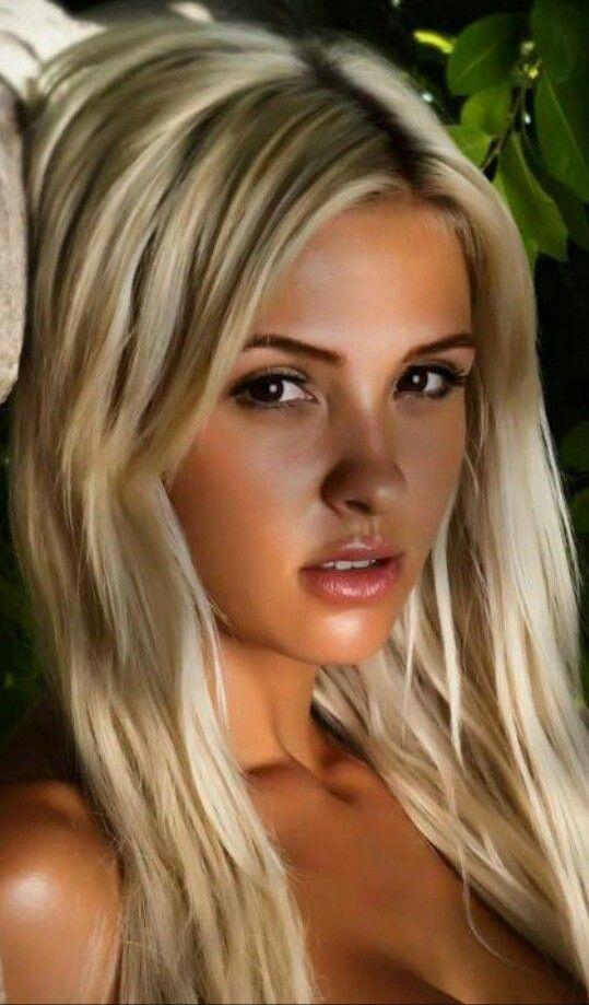 Hübsche Blonde Schauspielerin