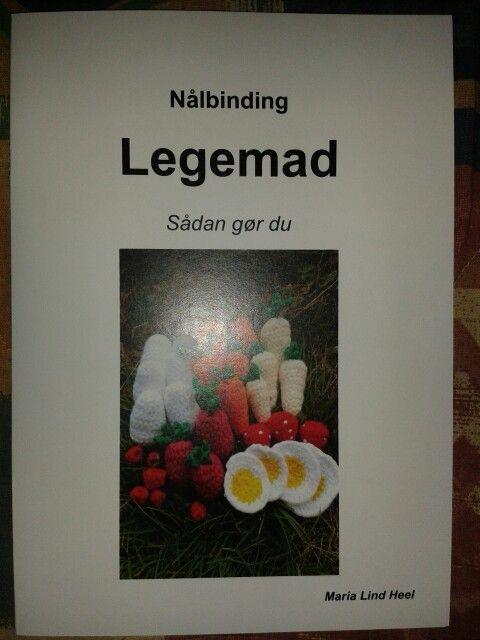 Hæfte fra Maria Lind Heel. Kan bestilles på maria.heel @ gmail.com (husk at fjerne mellemrummene?)
