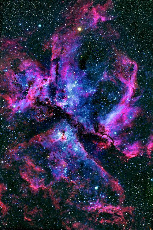 Llegará el día en que haremos a un lado la soberbia que no nos deja ver y descubriremos que sólo somos una diminuta partícula en el espacio.