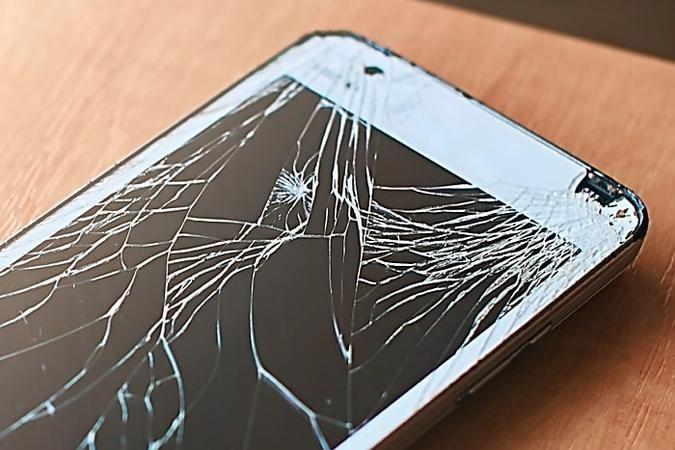 Dieser Schutz macht Handys fast unzerstörbar - Neuer Trick revolutioniert den Smartphone-Markt