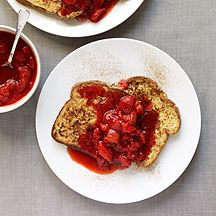 (6 pp) french toast with strawberry sauce