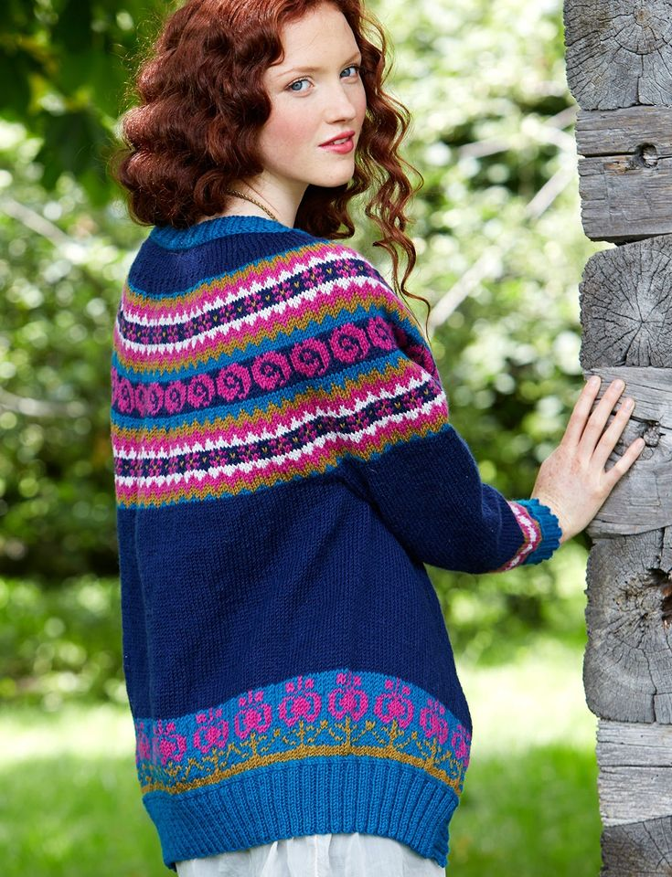 Folksy Yoke ~ This stunning fair isle cardigan is a great way to show off your knitting skills: free #knitting #sweater #pattern