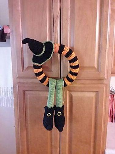 Winne Halloween Wreath -free crochet pattern-