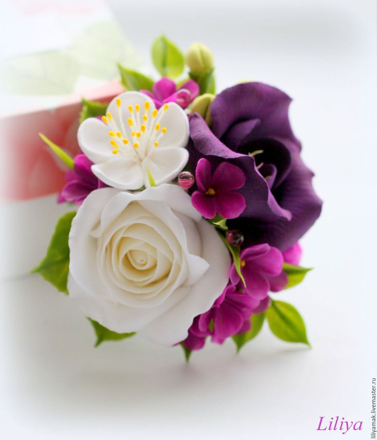 Купить  - тёмно-фиолетовый, бело-фиолетовый, белые розы, фиолетовые цветы, брошь с цветами