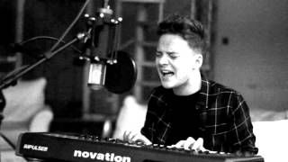 adele - hello (conor maynard & anth) - YouTube    //   An amazing cover version of Hello.