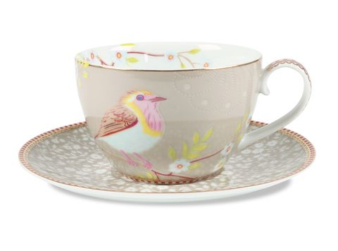 Love chinwags with your Mum, sharing all the news in your lives?  Plan an afternoon tea for the two of you in style with a pair of these stunning PiP Studio Khaki Cappuccino Cups & Saucers - tea and chatter never went so well together!  Cadeaux - Cadeaux.ie
