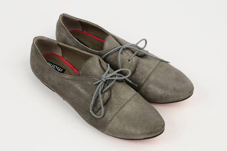 http://www.myfashionizer.ro/rochii-elegante/pantofi-dama-culoarea-gri-metalizat