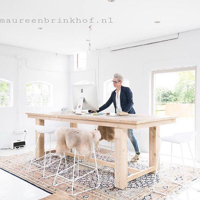 Wil jij door middel van goede kwaliteitsfoto's laten zien waar jouw winkel, bedrijf of merk voor staat? Dan help ik jou graag! IAMAUREEN Styling & Fotografie is gespecialiseerd in interieur-, lifestyle-, food- en productfotografie. Mijn kracht zit hem in de eenvoud! Stuur gerust een mailtje naar info@maureenbrinkhof.nl #interiors #interiores #interiorstyling #interior123 #interiorlove #interiorinspo #design #livingroom #photo #nordic #stylish #apple #workspace #interiors #dowhatyouwanttodo…