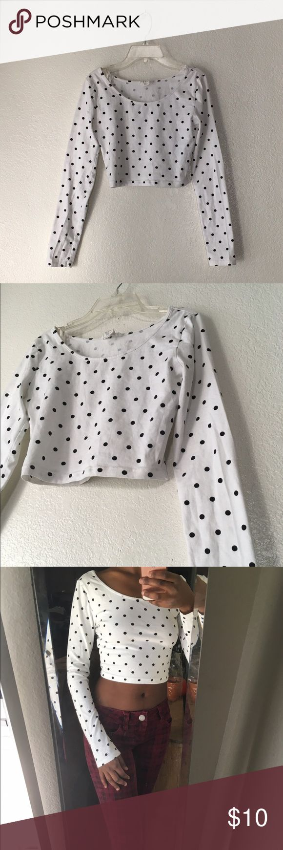 Forever 21 Black and Cream Polka Dot Crop Top Forever 21 Black and Cream polka dot crop top. Great condition, worn once. There's a tiny barely noticeable stain on the back of the sleeve (pictured). Size M. Forever 21 Tops Crop Tops