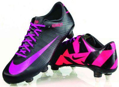 Frauen-Fußball WM 2011: Lira Bajramaj designed eigenes paar Nike-Schuhe | Sports Insider Magazin
