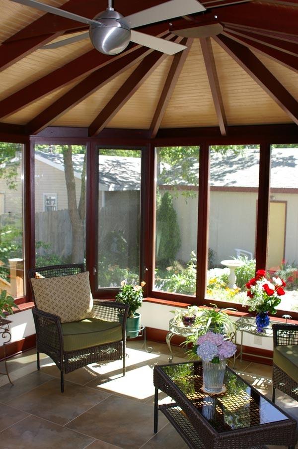 Interior Picture 2 of a Victorian F6-17 Sunroom