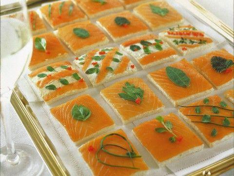 tartine-di-salmone-alle-erbe- Salmon Tea Sandwiches