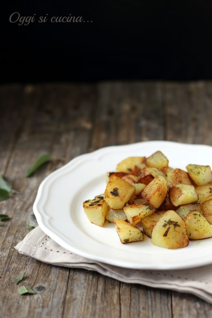 http://blog.giallozafferano.it/oggisicucina/patate-con-burro-e-salvia-in-padella-contorno-facile/