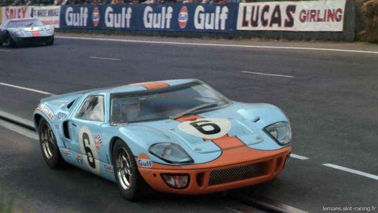 LM 1969 ♦ Jackie Ickx's and his Gulf Ford GT-40 won a thrilling victory in a duel with Jackie Oliver's Porsche that went on until the very last lap.