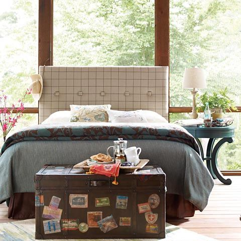 Look at that headboard!!! And the trunk is a fun idea for letting