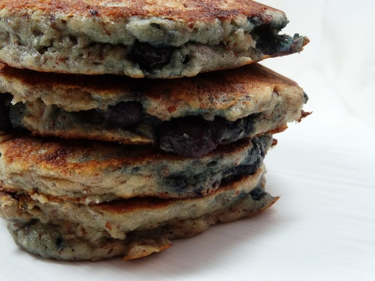 Blueberry Almond and Coconut Pancakes - paleo, gluten free, diary free, coconut flour, healthy