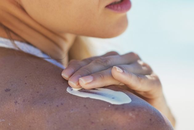 12 Things You Can Do to Save Sunburnt Skin from Peeling - When you've been out in the sun for too long, your sunburned skin can easily peel. Find out how to prevent the nasty process, keeping your tan and skin intact.