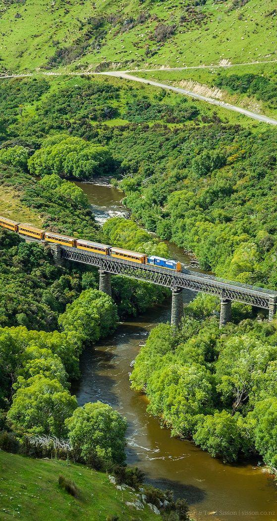 Taieri Gorge train, Otago, The South Island, New Zealand