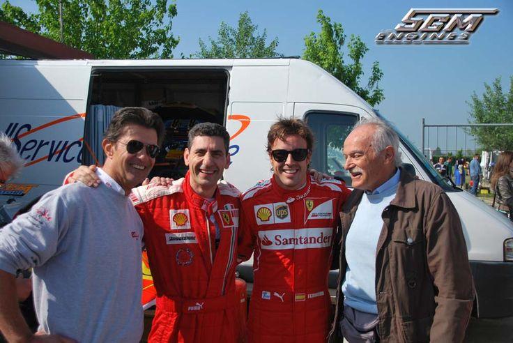 Foto di gruppo Stella Andrea, Fernando Alonso e Paolo Severi Titolare Severi Racing Kart