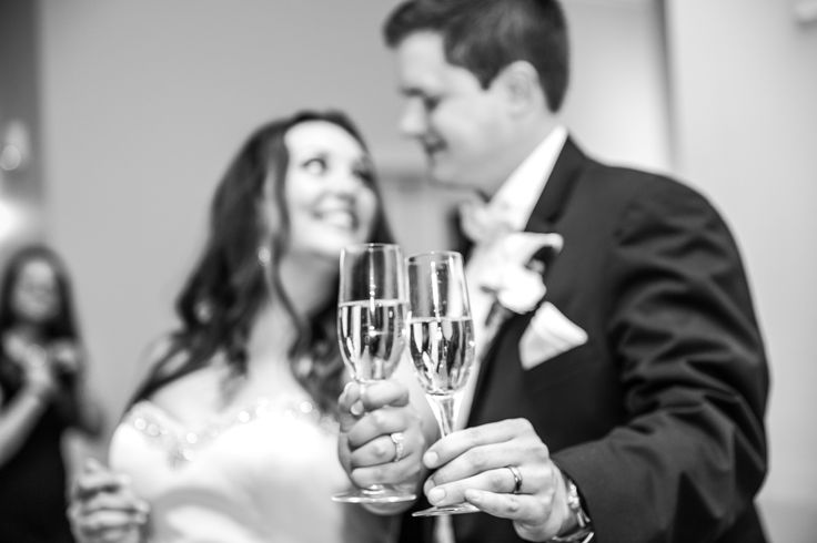 Champagne toast - to the Bride and Groom! #champagneglasses Photography: TRU Identity Photography & Designs