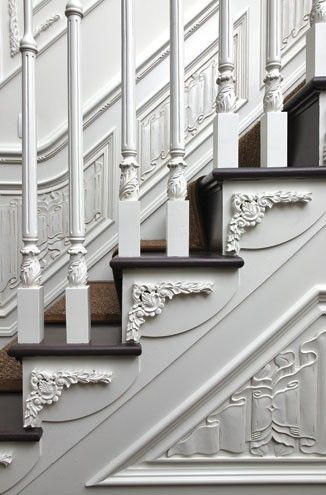 details like this is what separates boring new houses from old houses with character. if you have to have new, take time to add details.