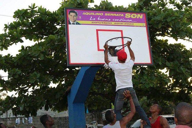 Diputado Serrata patrocina torneo de baloncesto en Batey Bienvenido